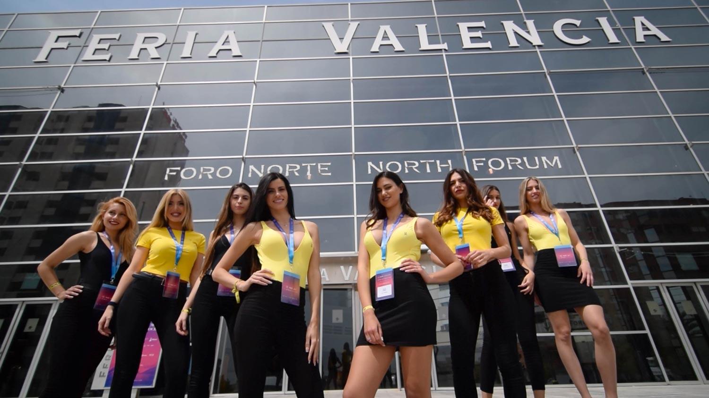 Azafatas Valencia Hello Monday