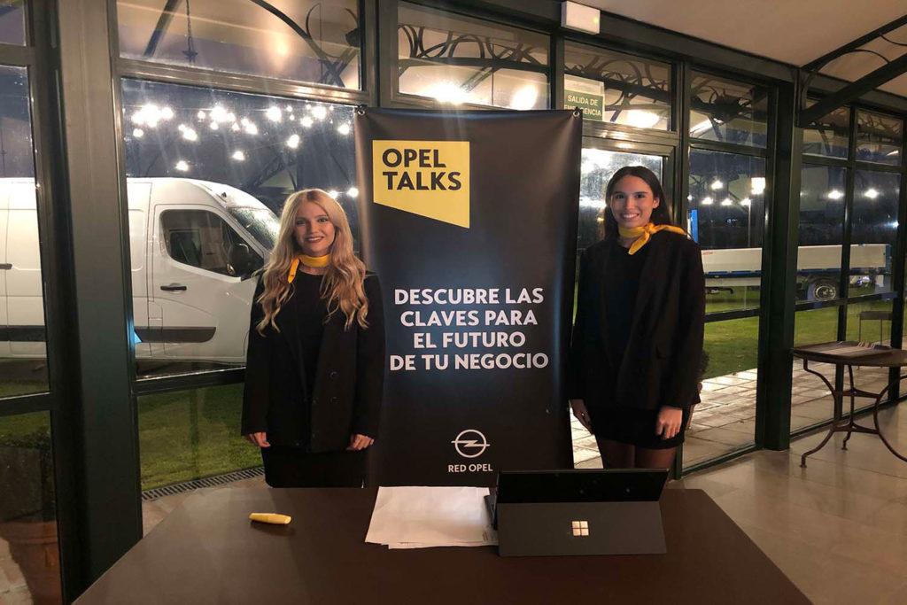 Nuestras azafatas en los distintos congresos y conferencias en Sevilla
